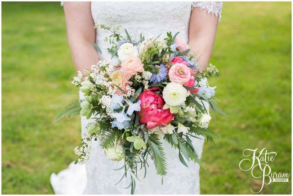 wildflower bouquet, ellingham hall wedding, valley retro car, wildflower florist, northumberland wedding, northumberland wedding venue, katie byram photography, yap bridal,