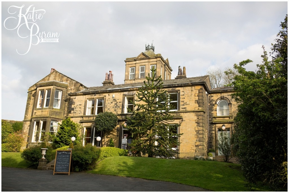 crow hill, crow hill weddings, marsden wedding venue, standedge tunnel wedding, huddersfield wedding photographer, marsden wedding photographer, manchester wedding venue, katie byram photography, lily blossom florist, small wedding venue,